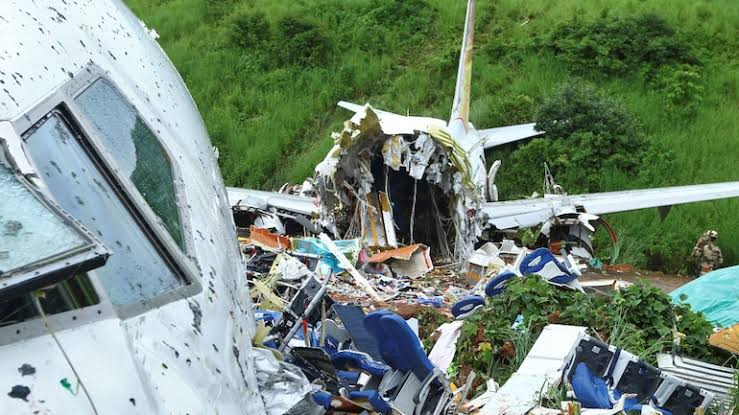 Kerala plane crash: DGP of the state said – removing people safely is our priority